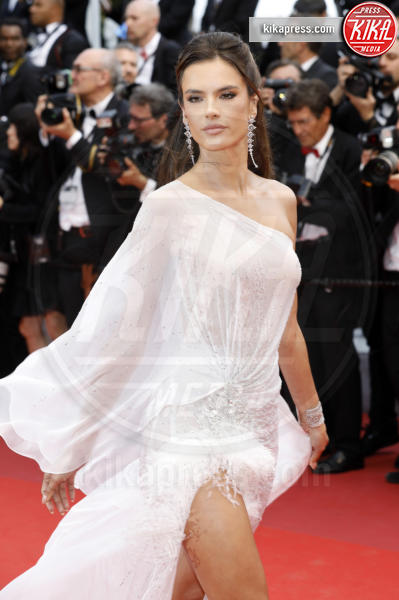 Alessandra Ambrosio - Cannes - 14-05-2019 - Cannes 2019: le più sexy del primo red carpet