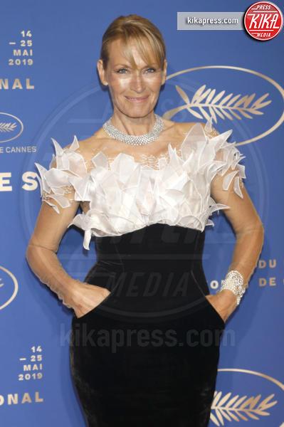 Estelle Lefébure - Cannes - 14-05-2019 - Cannes 2019: Selena Gomez incanta in corto bianco al Gala Dinner