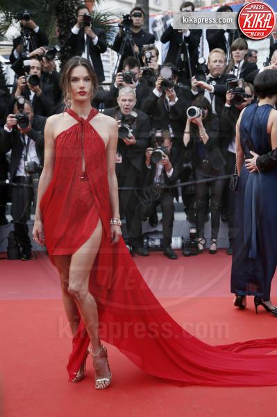 Alessandra Ambrosio - Cannes - 15-05-2019 - Cannes 2019: le prime volte di Melissa Satta e Tina Kunakey