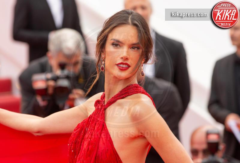 Alessandra Ambrosio - Cannes - 15-05-2019 - Cannes 2019: i gioielli delle star brillano sul red carpet
