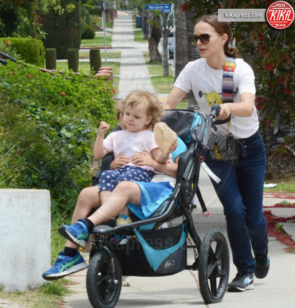 Amalia Millepied, Aleph Millepied, Natalie Portman - Los Feliz - 19-05-2019 - Natalie Portman: Amalia e Aleph, una poltrona per due