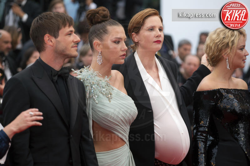 Adèle Exarchopoulos, Niels Schneider, Virginie Efira, Gaspard Ulliel - Cannes - 24-05-2019 - Cannes 2019, Adèle Exarchopoulos torna sul luogo del delitto