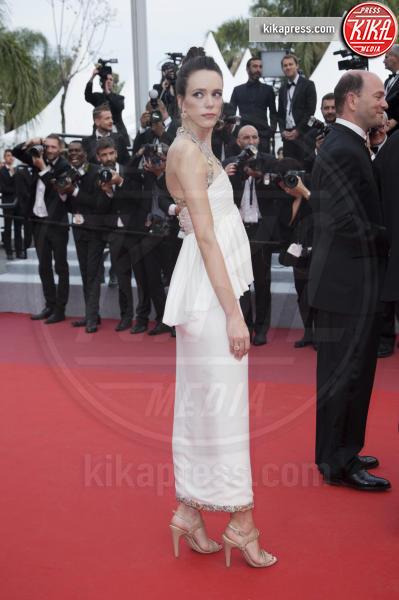 Stacy Martin - Cannes - 24-05-2019 - Cannes 2019, Adèle Exarchopoulos torna sul luogo del delitto