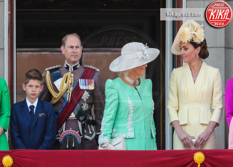 Principe Louis Arthur Charles, Principessa Charlotte Elizabeth Diana, Principe George, Principe Carlo d'Inghilterra, Regina Elisabetta II, Principe William, Kate Middleton, Camilla Parker Bowles - Londra - 08-06-2019 - Trooping the colour, è Louis la vera star della festa!