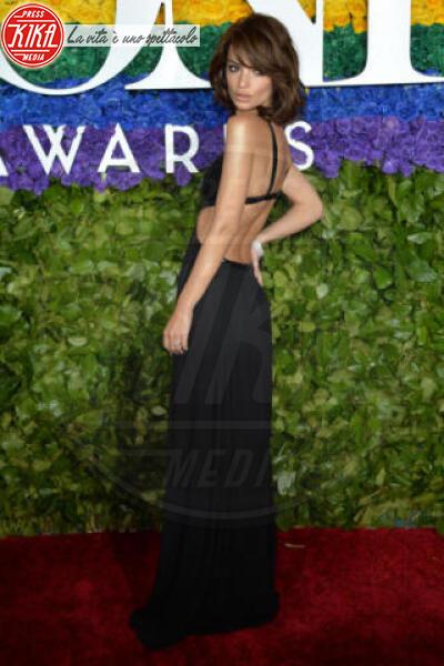 Emily Ratajkowski - New York - 09-06-2019 - Tony Awards 2019, il colpo di testa di Emily Ratajkowski