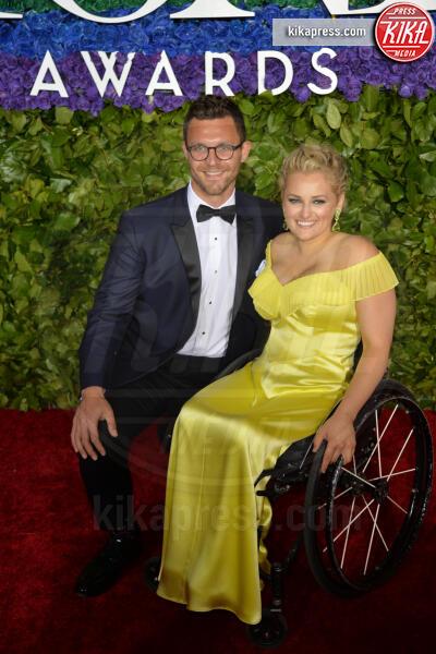 Ali Stroker - New York - 09-06-2019 - Tony Awards 2019, il colpo di testa di Emily Ratajkowski