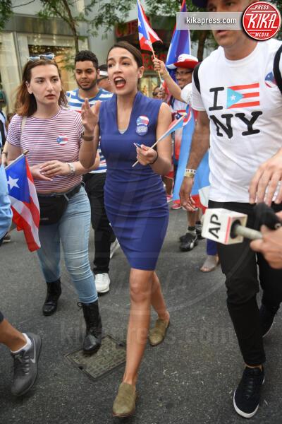 Alexandria Ocasio-Cortez - New York - 10-06-2019 - Ricky Martin si scatena per la Puerto Rican Day Parade