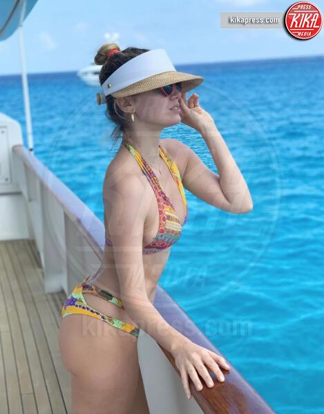 Elena Barolo - 15-06-2019 - Estate 2019: bikini o costume intero, questo è il dilemma!