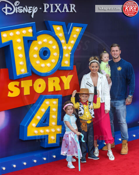 Dan Osbourne attend the European Premiere of &quot, s Leicester Square, at the Odeon Luxe in London&#39, Toy Story 4&quot, Jaqueline Jossa - Londra - 16-06-2019 - Tom Hanks a Londra: Benvenuti alla première di Toy Story 4!