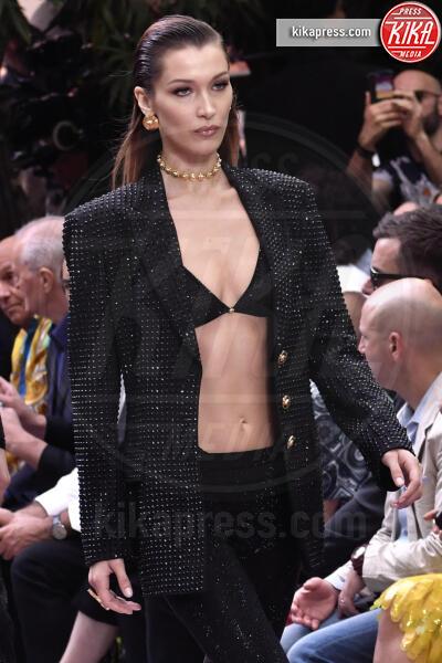 Bella Hadid - Milano - 15-06-2019 - La prima passerella di Irina Shayk dopo l'addio a Bradley Cooper