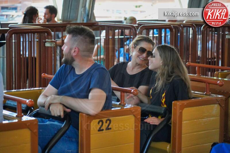 Caterina Ventura, Simona Ventura - Gardaland - 17-06-2019 - Simona Ventura porta la famiglia a Gardaland, che sballo!