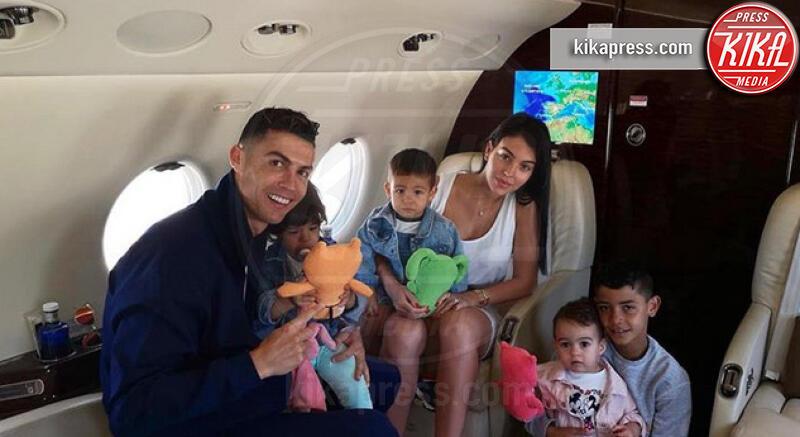Georgina Rodriguez, Cristiano Ronaldo - 04-07-2019 - L'abbronzatura più hot? Quella delle wags!
