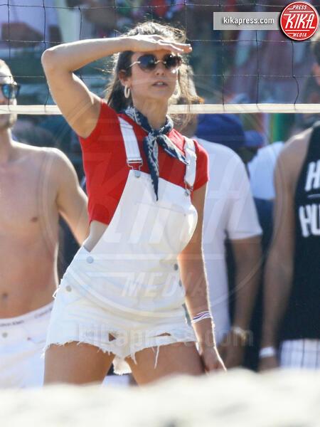 Nina Dobrev, Jamie Foxx - Malibu - 04-07-2019 - Jamie Foxx gioca con Nina Dobrev: e Katie Holmes?