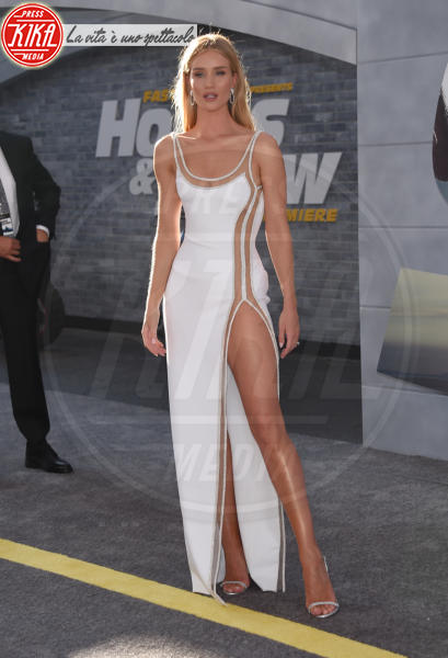 Rosie Huntington-Whiteley - Hollywood - 31-12-2013 - Fast & Furious Presents: Hobbs and Shaw, la premiere mondiale