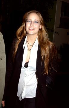 Leelee Sobieski - 15-11-2004 - Separati alla nascita: scusa, ma siamo parenti?