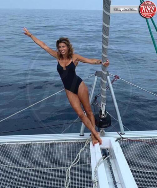 Elisabetta Canalis - 29-07-2019 - Estate 2019: bikini o costume intero, questo è il dilemma!