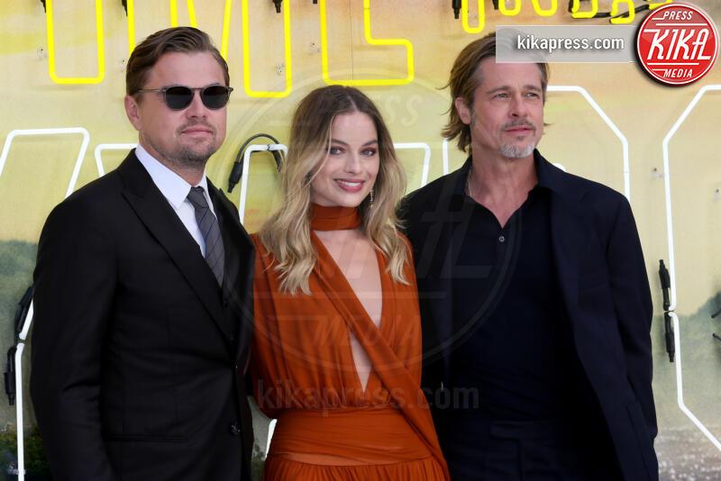 Margot Robbie, Leonardo DiCaprio, Brad Pitt - Londra - 30-07-2019 - C'era una volta a Hollywood, Margot Robbie in Oscar de la Renta