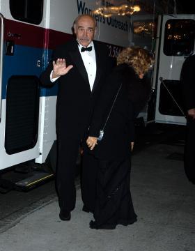 Micheline Connery, Sean Connery - New York - 11-11-2004 - Sean Connery: addio al cinema
