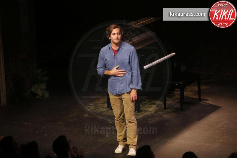 Jake Gyllenhaal - New York - 09-08-2019 - Anne Hathaway, la prima uscita pubblica col pancione