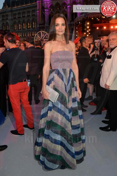 Katie Holmes - Vienna - 08-06-2019 - La villa a forma di H di Katie Holmes