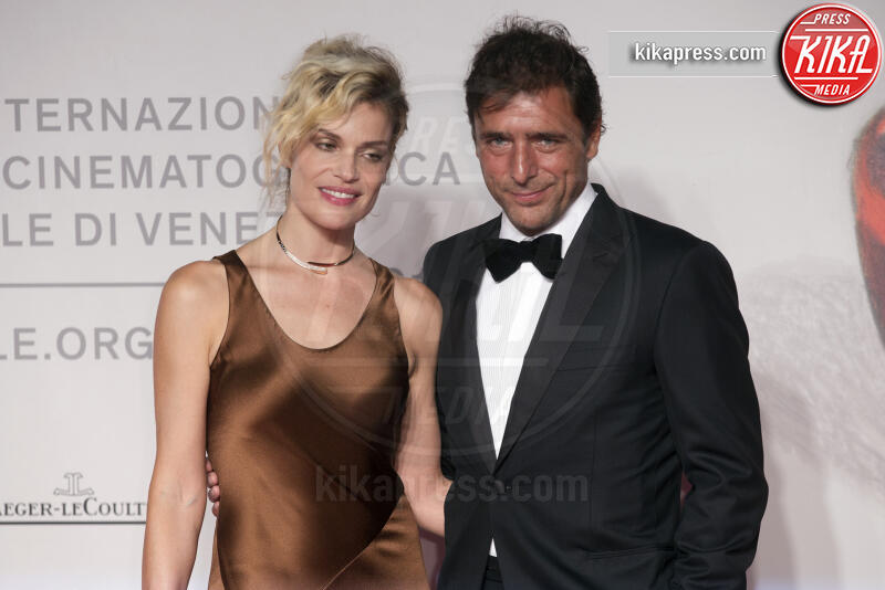 Adriano Giannini, Micaela Ramazzotti - Venezia - 31-08-2019 - Venezia 76: Ramazzotti-Virzì, l'amore sul red carpet di Vivere