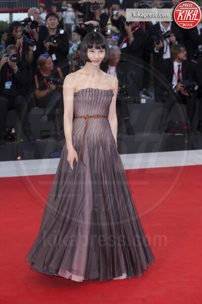 Huang Xiangli - Venezia - 04-09-2019 - Venezia 76: Giulia Salemi e Gong Li, sensualità sul red carpet