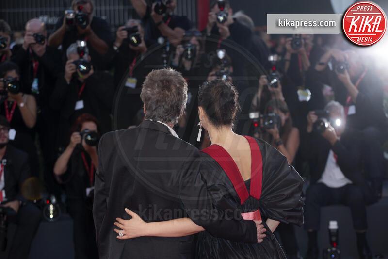 Jean Michel Jarre, Gong Li - Venezia - 04-09-2019 - Venezia 76: Giulia Salemi e Gong Li, sensualità sul red carpet