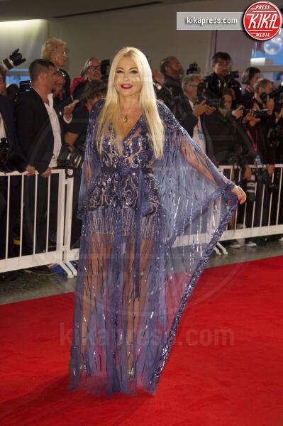 Monika Bacardi - Venezia - 06-09-2019 - Venezia 76: Johnny Depp si prende il red carpet del Festival