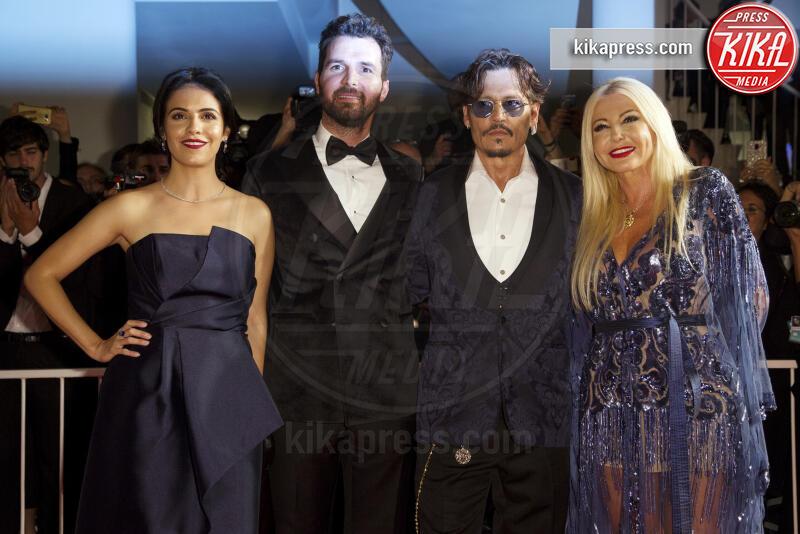 Monika Bacardi, Andrea Iervolino, Johnny Depp - Venezia - 06-09-2019 - Venezia 76: Johnny Depp si prende il red carpet del Festival