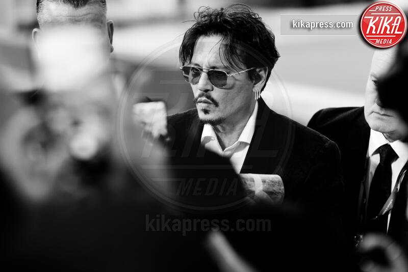 Johnny Depp - Venezia - 06-09-2019 - Venezia 76: tra Johnny Depp e i fan non mettere... i bodyguard!