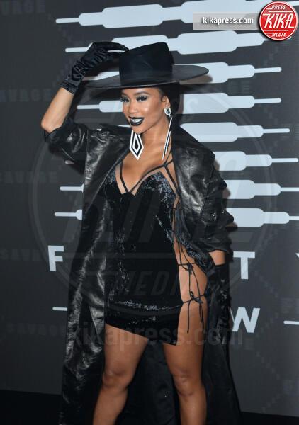 Saweetie - New York - 11-09-2019 - Vanessa Hudgens, sotto il vestito niente al Fenty Event