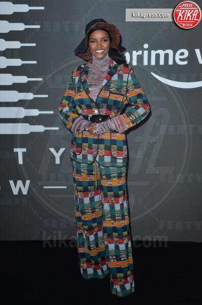 Halima Aden - New York - 11-09-2019 - Vanessa Hudgens, sotto il vestito niente al Fenty Event