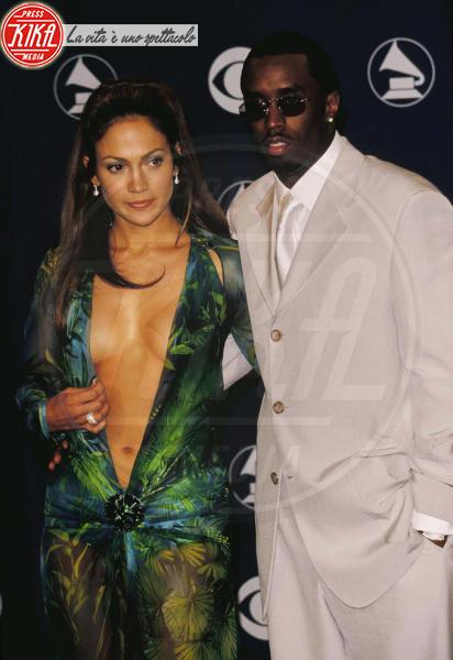 Puff Daddy, Jennifer Lopez - Hollywood - 24-02-2000 - Jennifer Lopez e il Jungle Dress: meglio oggi o meglio ieri?