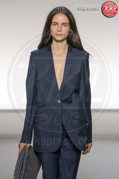Sfilata Givenchy, Model - Parigi - 29-09-2019 - Parigi Fashion Week: Kaia Gerber in passerella per Givenchy