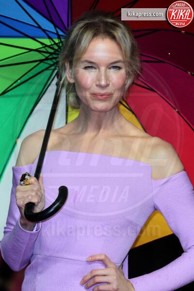 Renee Zellweger - Londra - 30-09-2019 - Renée Zellweger, première sotto la pioggia per Judy