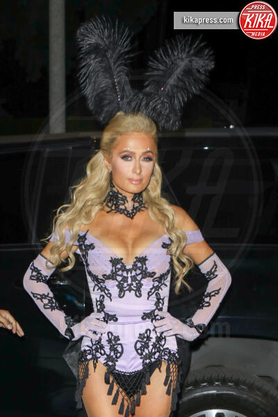 Paris Hilton - Beverly Hills - 25-10-2019 - Halloween 2019: basta un Jungle Dress per trasformarsi in J Lo!