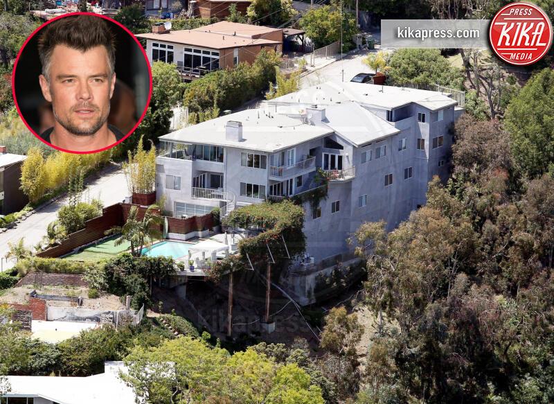 Josh Duhamel - Los Angeles - 24-05-2011 - Brucia la California, in fiamme le case delle star