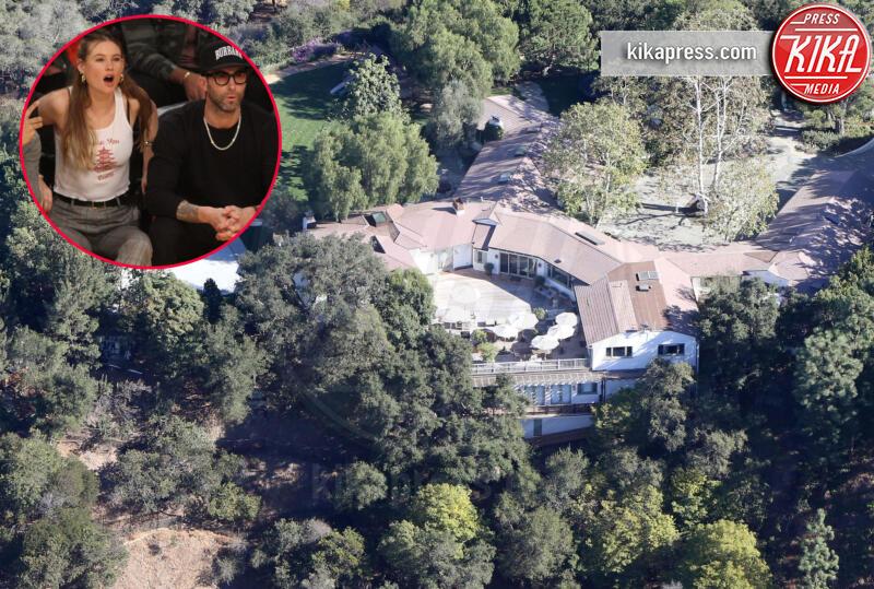Behati Prinsloo, Adam Levine - Los Angeles - 06-10-2016 - Brucia la California, in fiamme le case delle star
