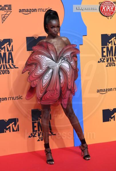 Leomie Anderson - Seville - 03-11-2019 - MTV EMA, CR7 e Georgina Rodriguez star sul red carpet