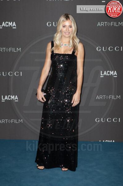 Sienna Miller - Los Angeles - 02-11-2019 - Lacma Art + film gala: il debutto della coppia Reeves-Grant