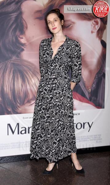 Jade Healy - Los Angeles - 05-11-2019 - Scarlett Johansson, femme fatale in Vuitton per Marriage Story