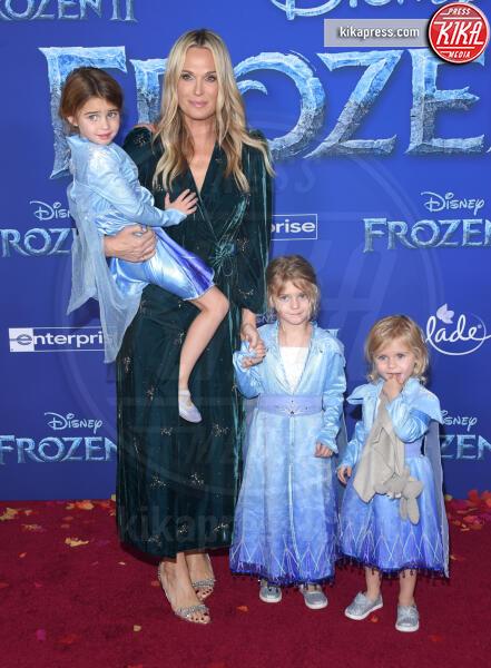 Grey Douglas Stuber, Brooks Alan Stuber, Scarlett, Molly Sims - Hollywood - 08-11-2019 - Frozen 2, l'adorabile abbinamento delle sorelle Gomez