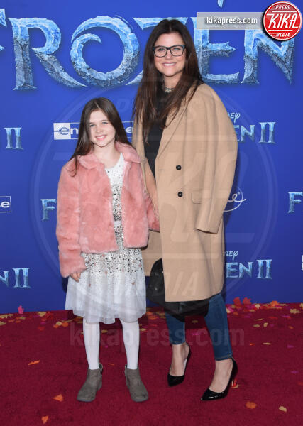 Harper Renn Smith, Tiffani Thiessen - Hollywood - 08-11-2019 - Frozen 2, l'adorabile abbinamento delle sorelle Gomez