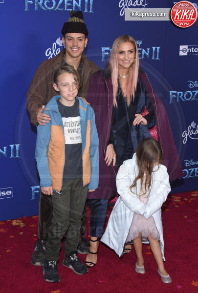 Jagger Snow Ross, Bronx Wentz, Evan Ross, Ashlee Simpson - Hollywood - 08-11-2019 - Frozen 2, l'adorabile abbinamento delle sorelle Gomez