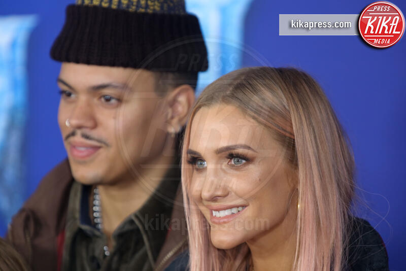 Evan Ross, Ashlee Simpson - Hollywood - 08-11-2019 - Frozen 2, l'adorabile abbinamento delle sorelle Gomez