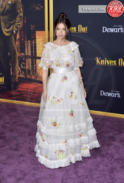 Ana de Armas - Los Angeles - 14-11-2019 - Knives out, Katherine Langford in Valentino sul red carpet