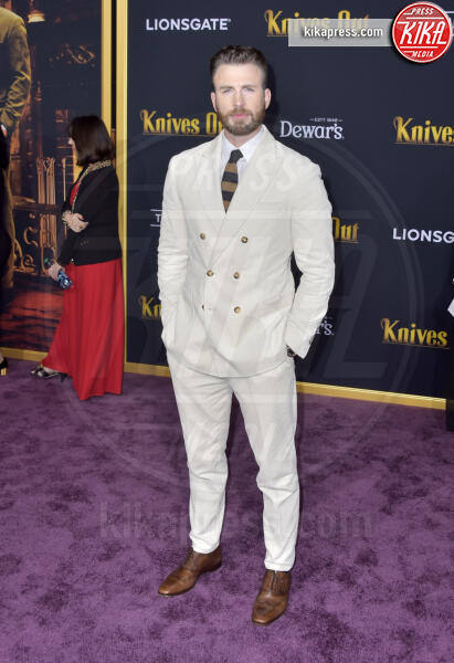 Chris Evans - Los Angeles - 14-11-2019 - Knives out, Katherine Langford in Valentino sul red carpet