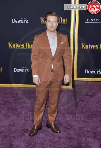 Noah Segan - Los Angeles - 14-11-2019 - Knives out, Katherine Langford in Valentino sul red carpet