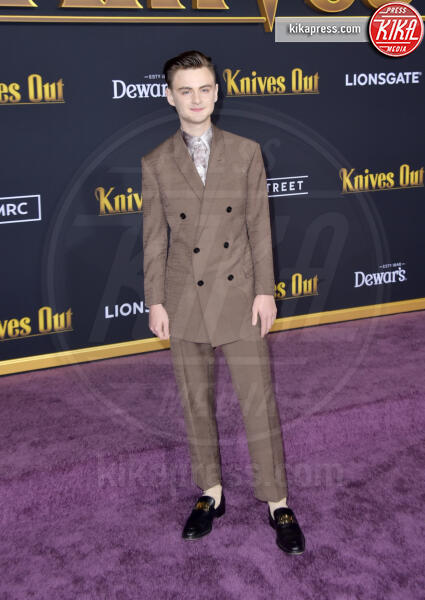Jaeden Martell - Los Angeles - 14-11-2019 - Knives out, Katherine Langford in Valentino sul red carpet