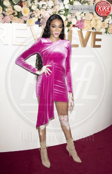 Winnie Harlow - Los Angeles - 15-11-2019 - Revolve Awards, la sensualità è una sfida a colpi di look